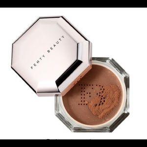 💄B1G1 Fenty Pro Filtr Powder